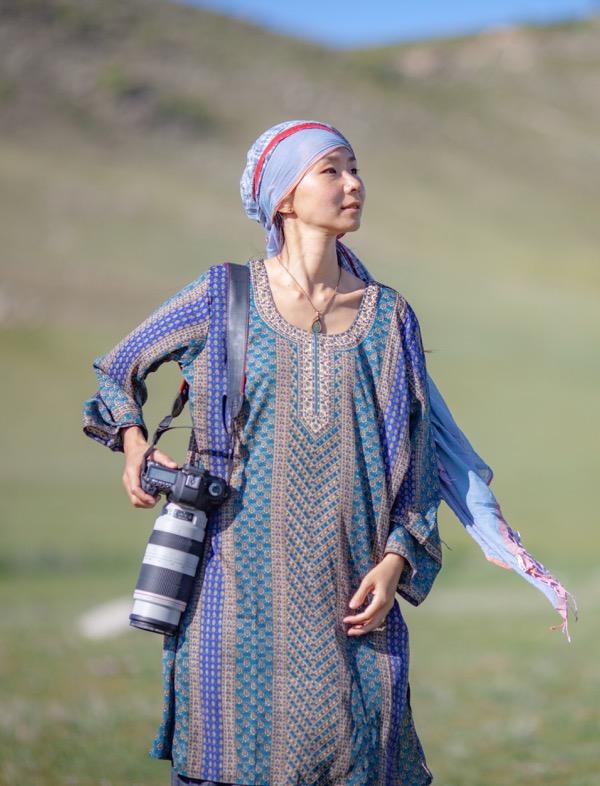 - 本保慶 (Kei Hompo) <instagram>主に写真を対話の手段として表現活動をし、『衣食住』全ての観点から人と人、人と大地の繋がりのあり方を追求している。今回は、初期のウタタラと対話した写真を変容させ、演者の過去と現在を交錯させる。http://www.keihompo.com/