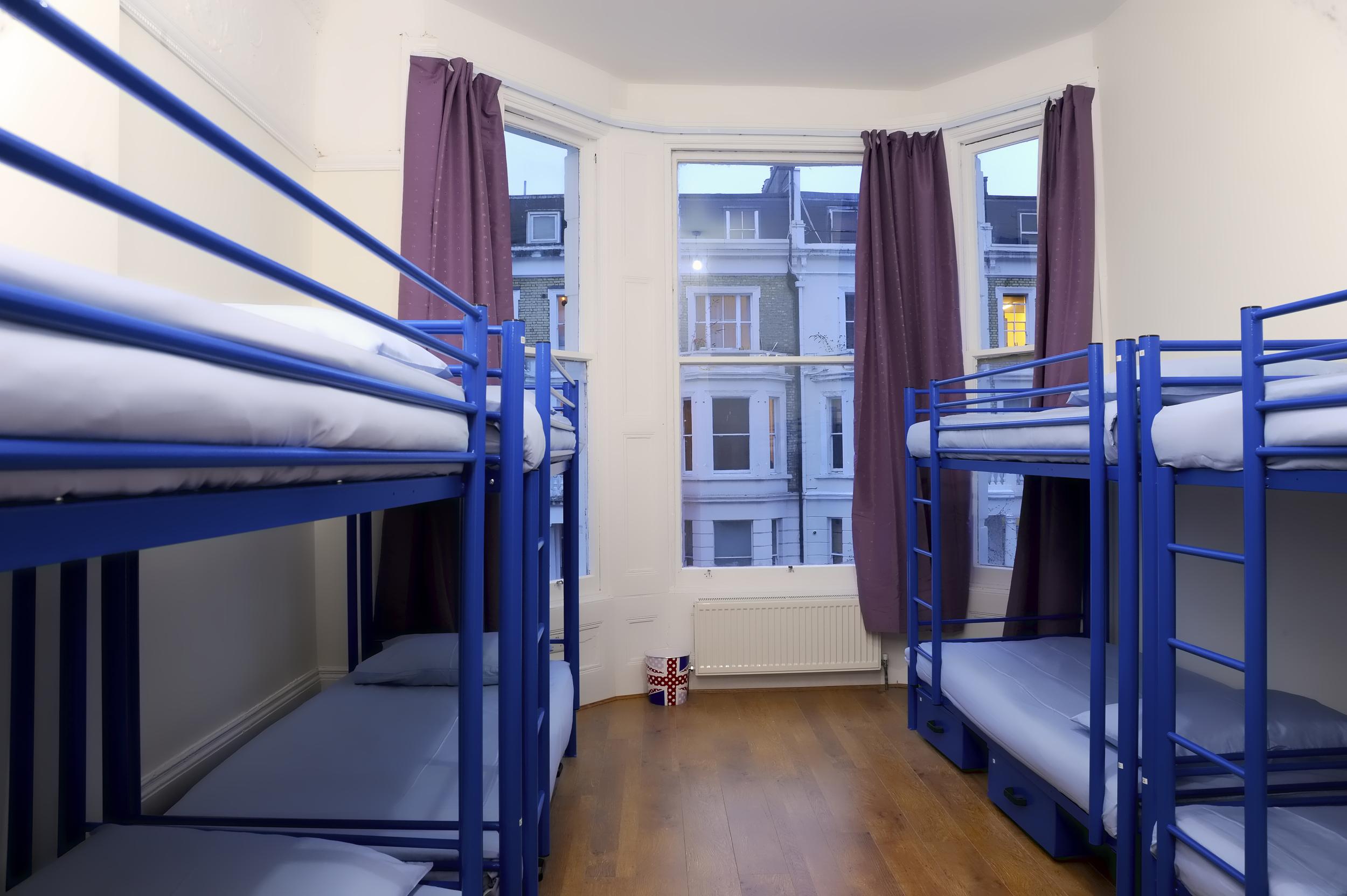 large-london-hostel-dorm-2.jpg