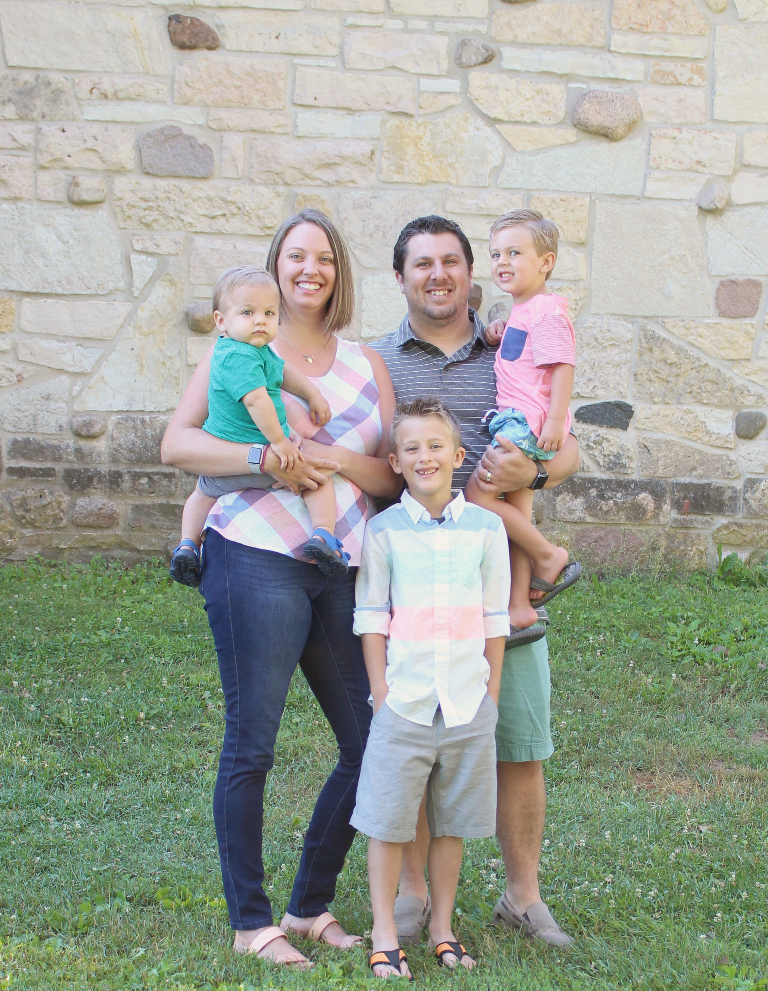 the Modernist Mailbox Family - Zach and Jenna with their 3 boys.