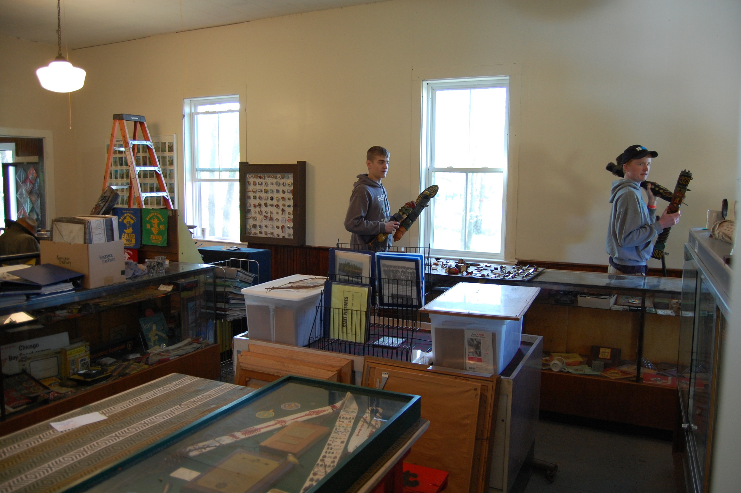 OA assist in Museum restoration.