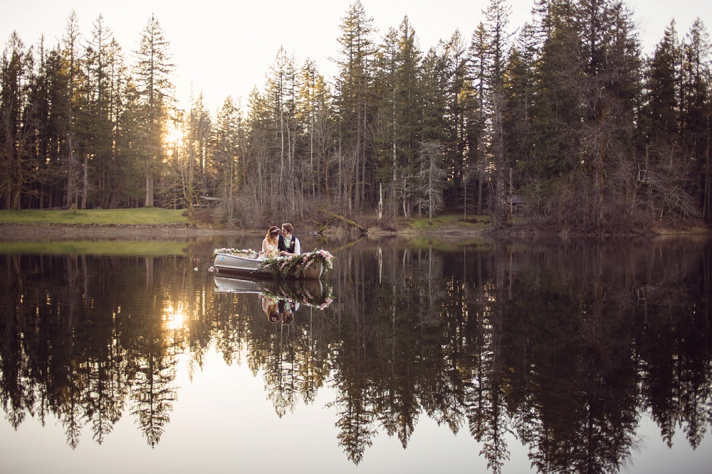 Canoe_wedding_photography.jpg