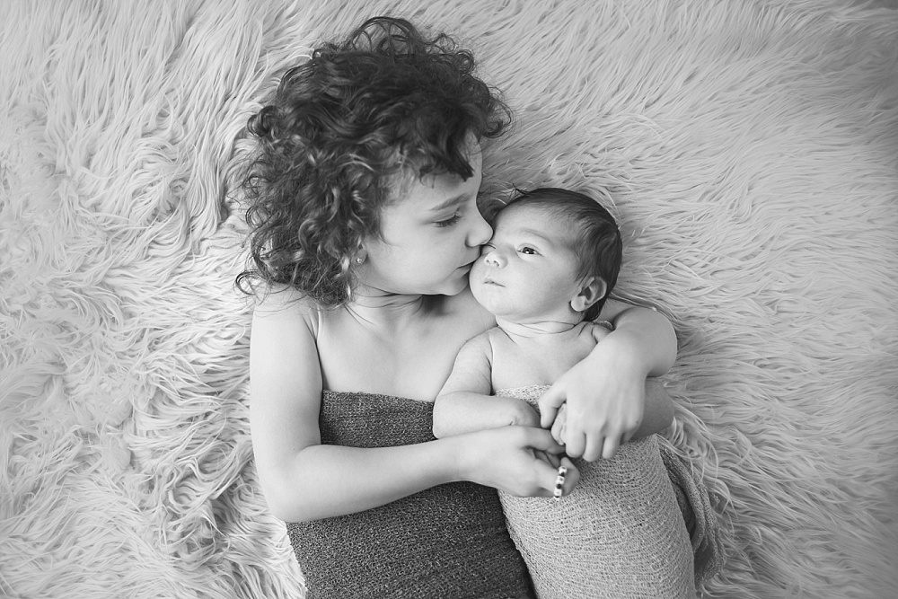 bonney_lake_newborn_photographer_siblings.jpg