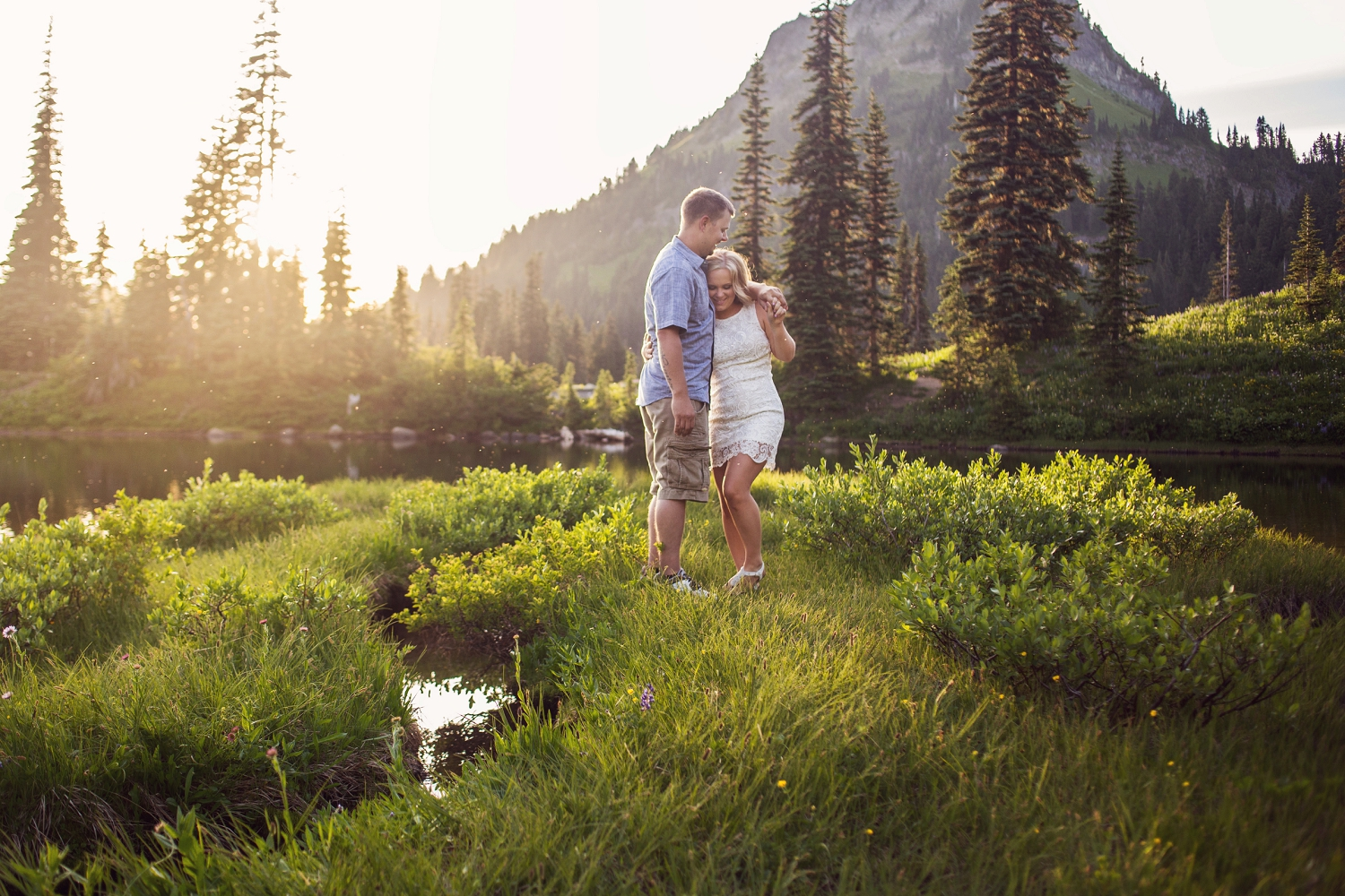 Mt_Rainier_engagement_photographer_2.jpg