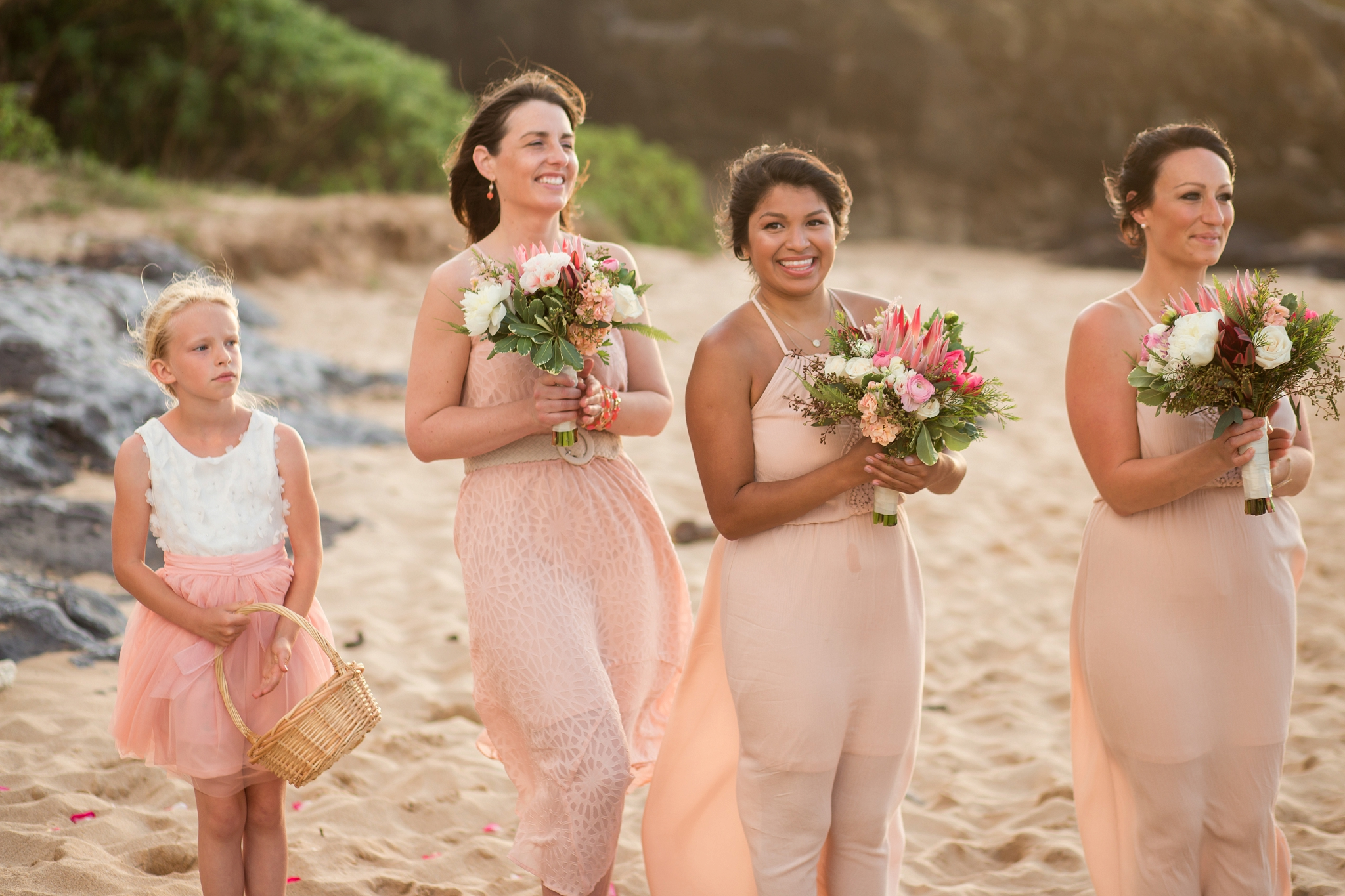 Bridesmaid_hawaii_wedding_photographer.jpg