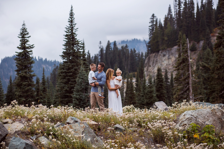 Mt_Rainier_Family_Photographer (11).jpg