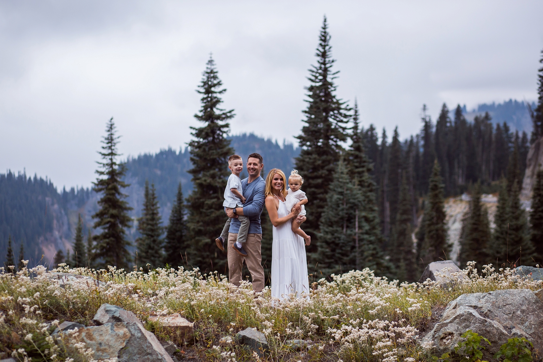Mt_Rainier_Family_Photographer (12).jpg