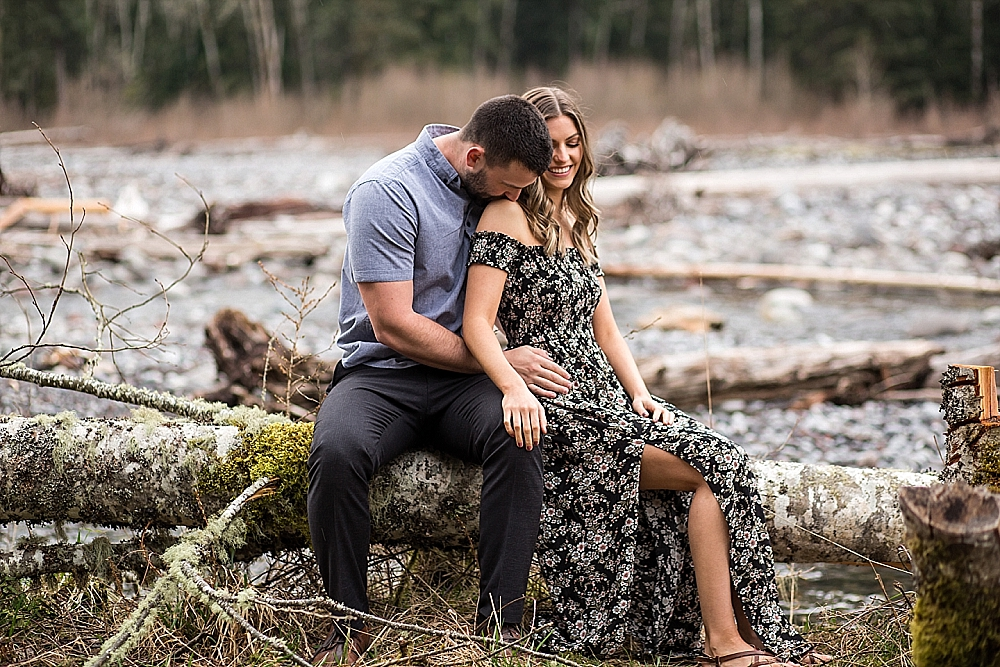 Bonney_Lake_Engagement_Photographer (5).jpg