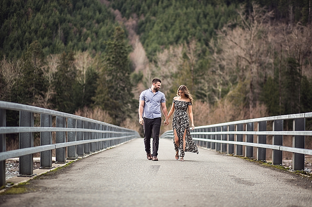 Bonney_Lake_Engagement_Photographer (12).jpg