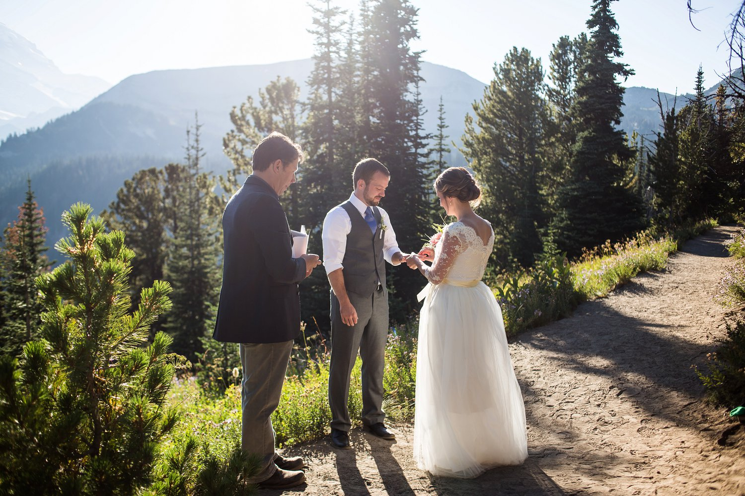 Mt_Rainier_Elopement_Photographer (4).jpg