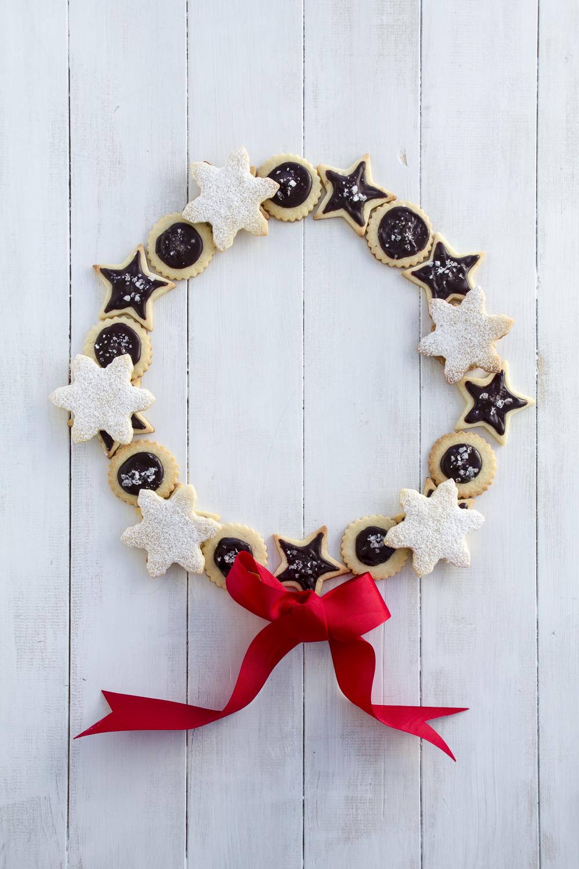Holiday Wreath © 2014 Helena McMurdo