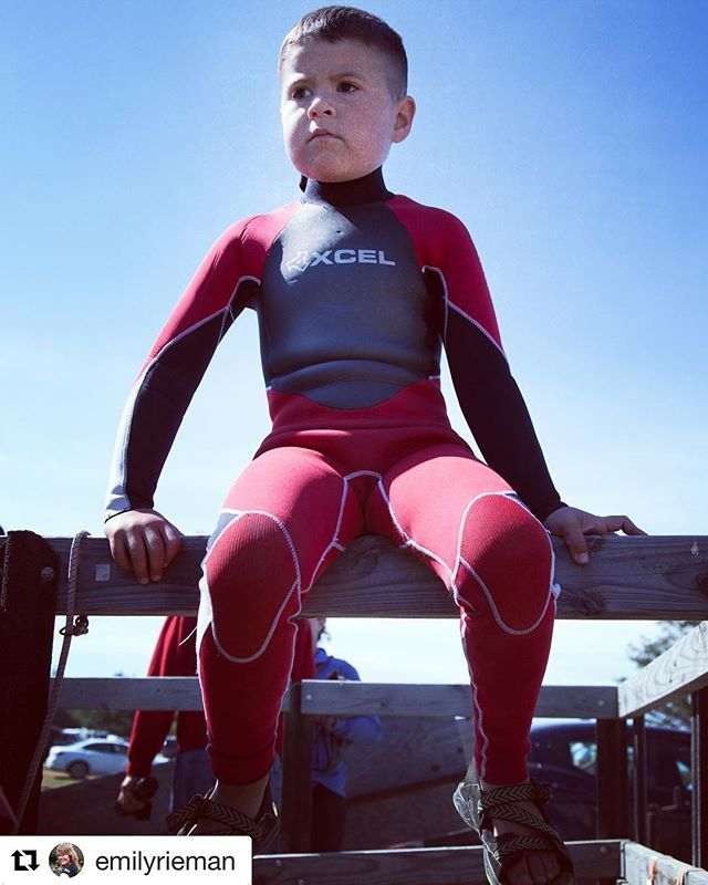 Overseeing the project at hand : suiting up! #xcel #xcelwetsuits #groms #warmcurrent #surfcamp #makahtribe