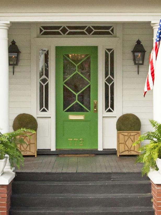 http://www.hgtv.com/landscaping/copy-the-charming-curb-appeal/pictures/page-15.html?soc=pinterest