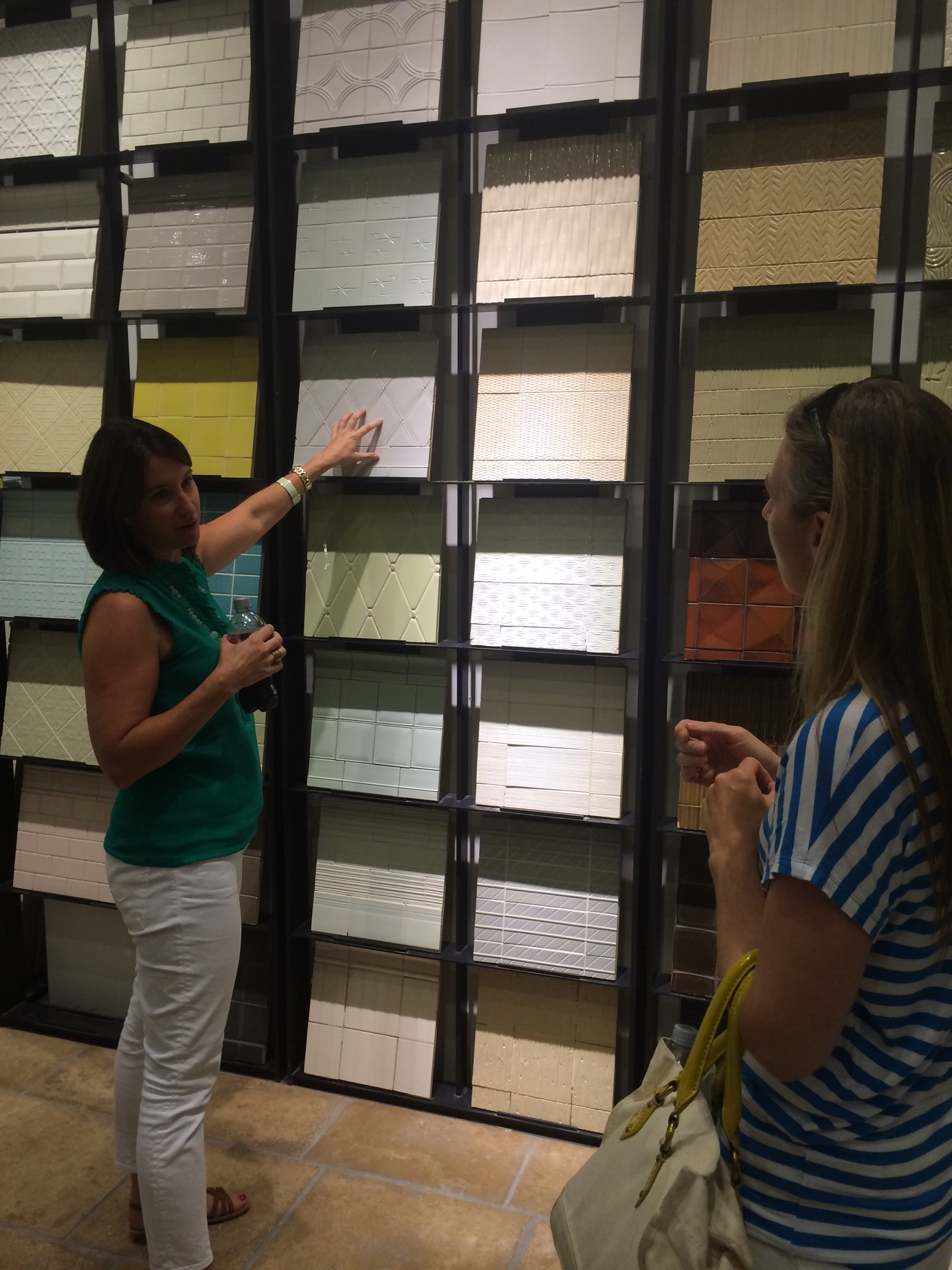 Look at this action shot! Nice work Jen. I could talk tile for hours. www.saranobledesigns.com (Kim Prado is patiently listening :) www.saranobledesigns.com