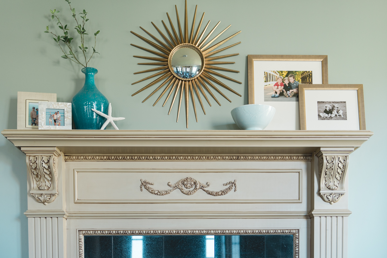 The mantel got an easy update. The mirror was Home Depot :) www.saranobledesigns.com
