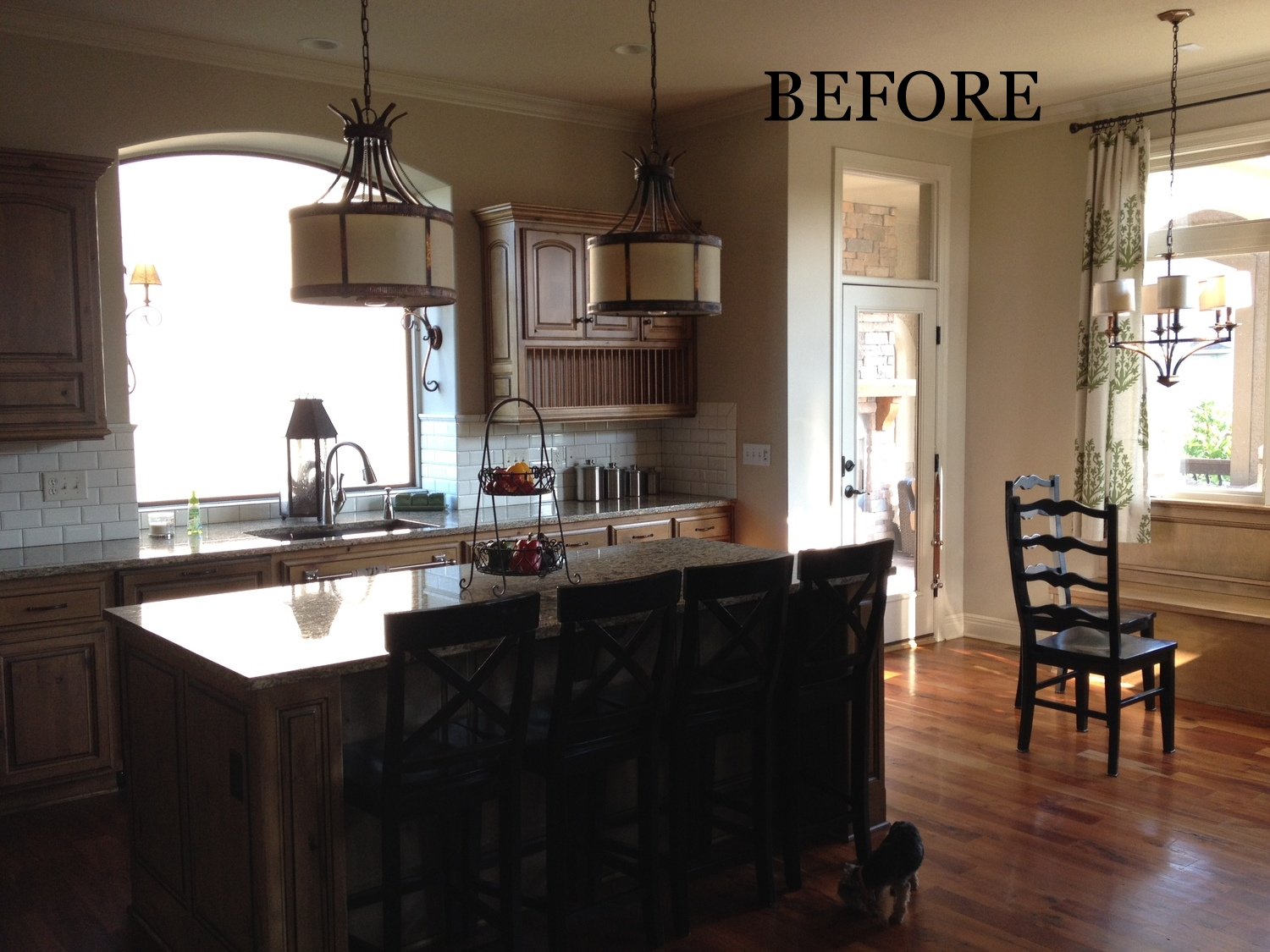 The traditional style lacked a wow factor and seemed dark. www.saranobledesigns.com