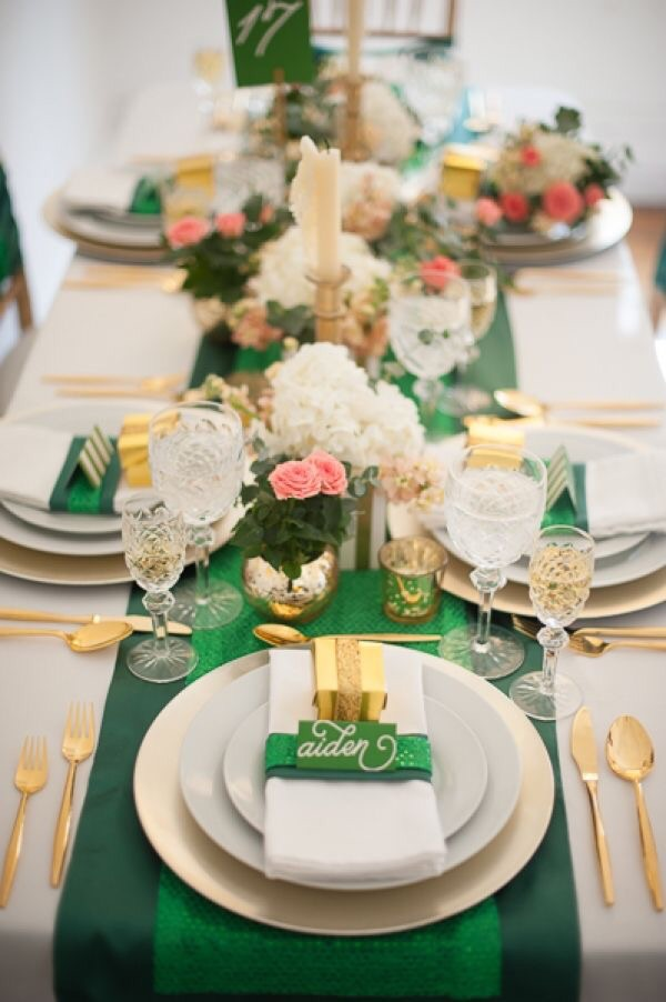 http://ruffledblog.com/galleries/st-patricks-day-shower-ideas/?pid=95886&nggpage=8  I would like to set a dinner like this.