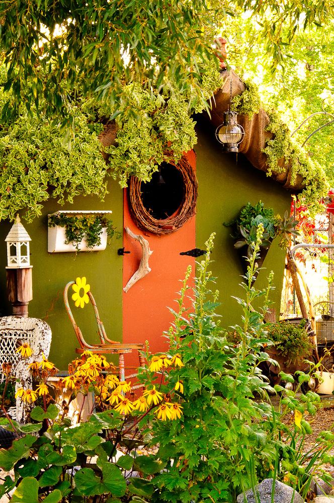 Patti Brisebois' zone 3 Manitoba garden. Photo: Sue Sikorski