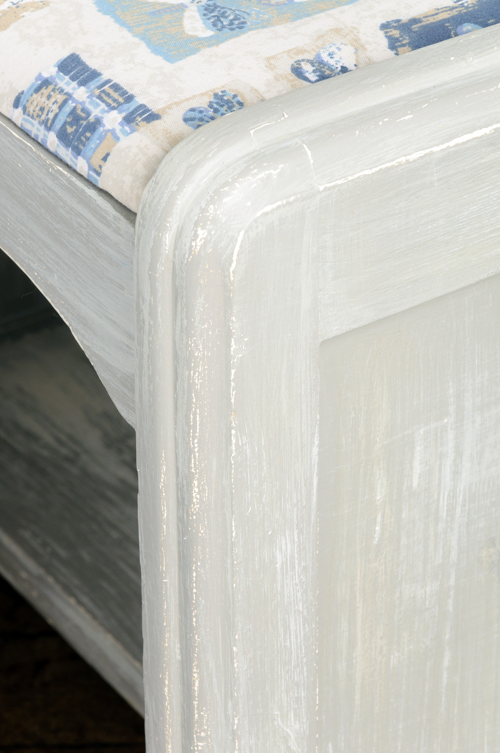 stool painted with Fusion mineral paint (custom mix of bedford and algonqiun) via My Painted Door (.com)