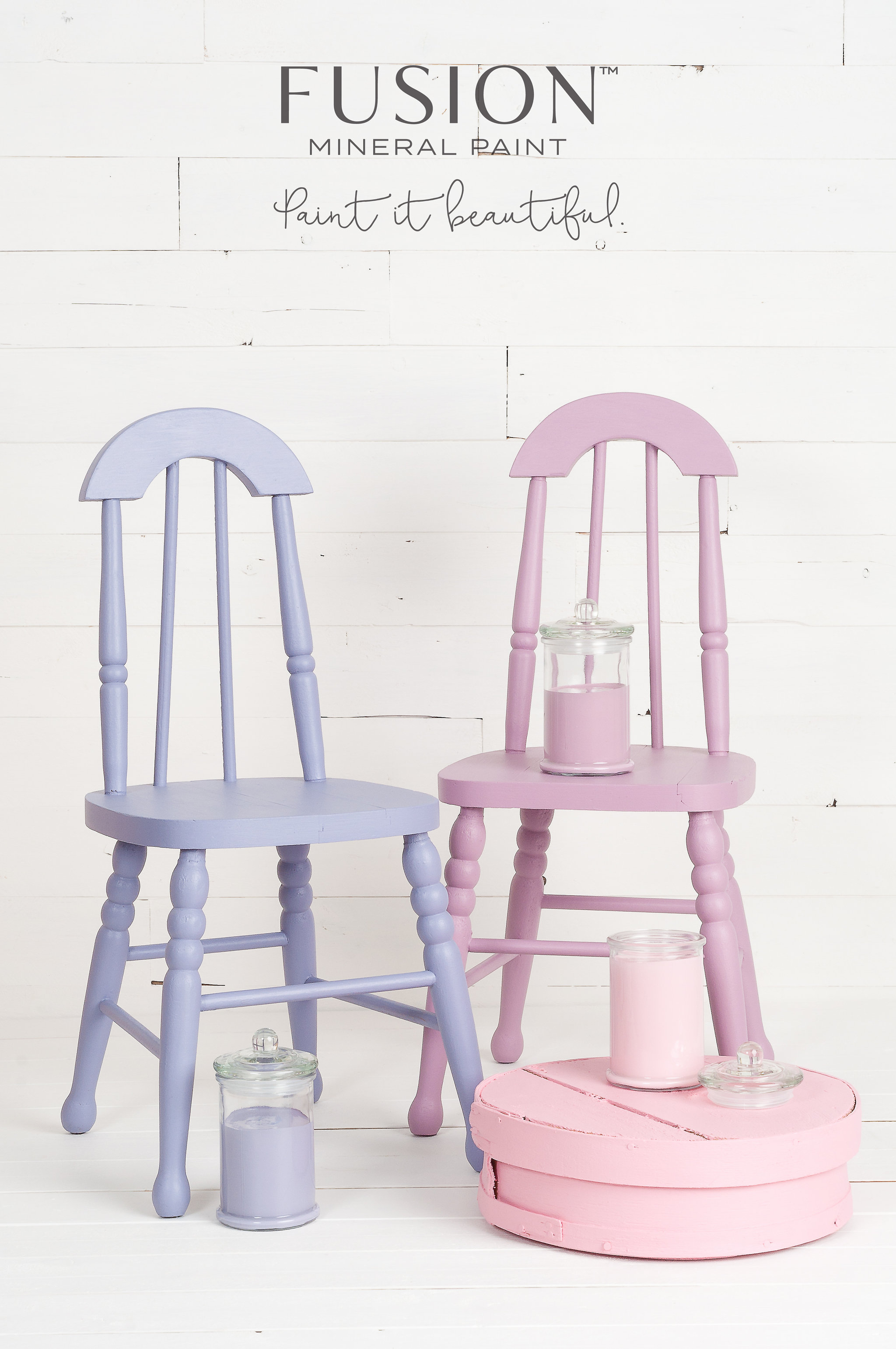 These chairs and hat box are painted by mixing custom colours of Fusion Mineral Paint with a simple recipe. There are 32 recipes to choose from!