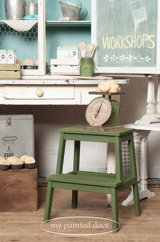 How to paint an Ikea stool to look like a farmhouse stool