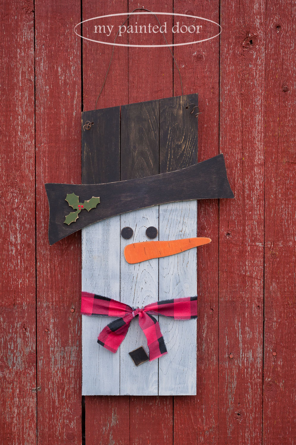 Planked Snowman Sign using Miss Mustard Seed's Milk Paint in the colours Typewriter, Farmhouse White, Outback Petticoat and Bayberry.