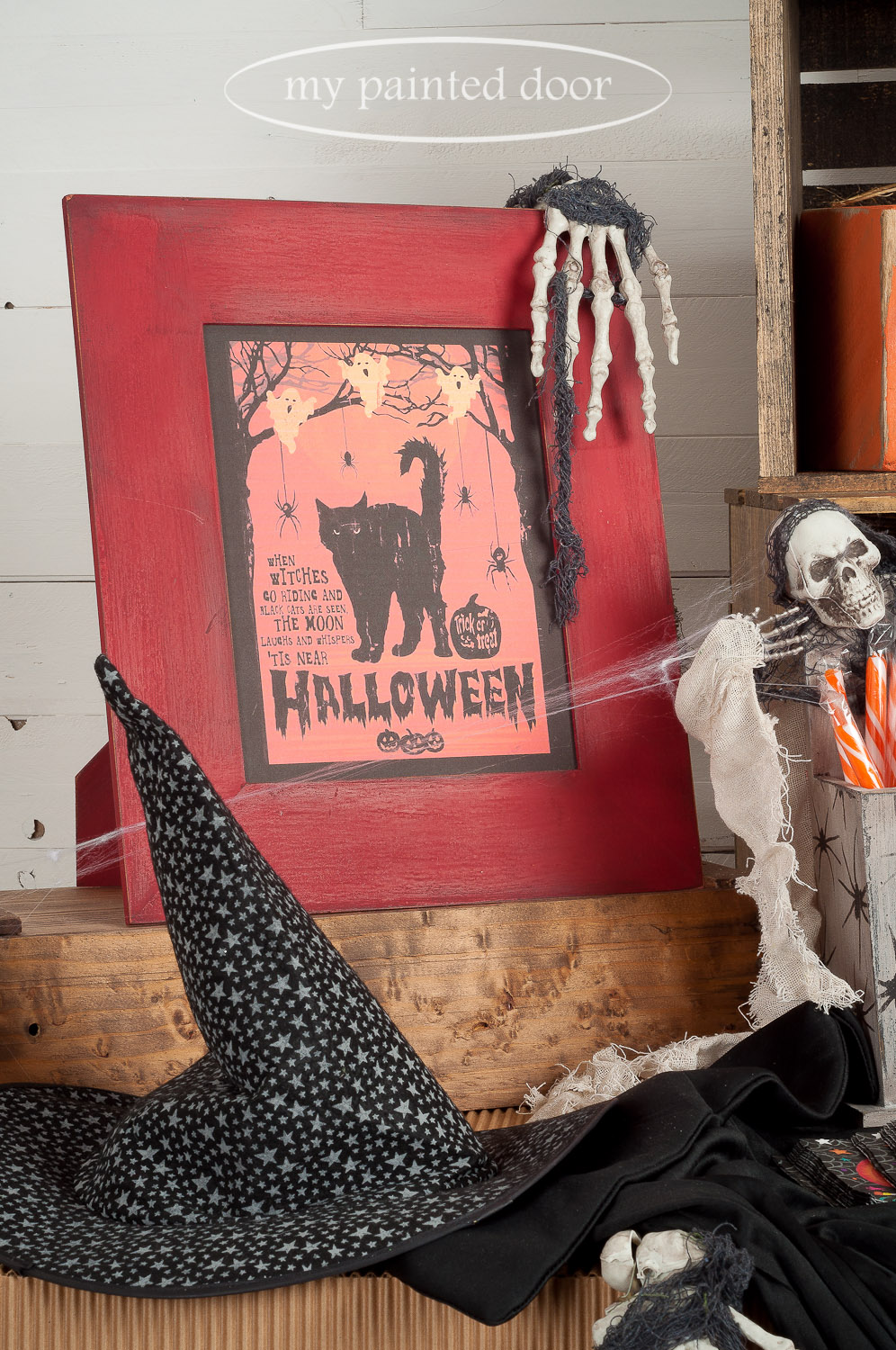 Halloween sign painted with Miss Mustard Seed's Milk Paint in Curio and Tricycle.