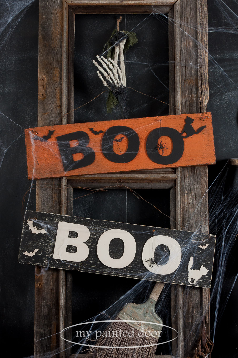 Vintage BOO Sign workshop. These Halloween signs are painted in Miss Mustard Seed's Milk Paint in Outback Petticoat, Farmhouse White and Typewriter. They are finished with Miss Mustard Seed's Hemp Oil.
