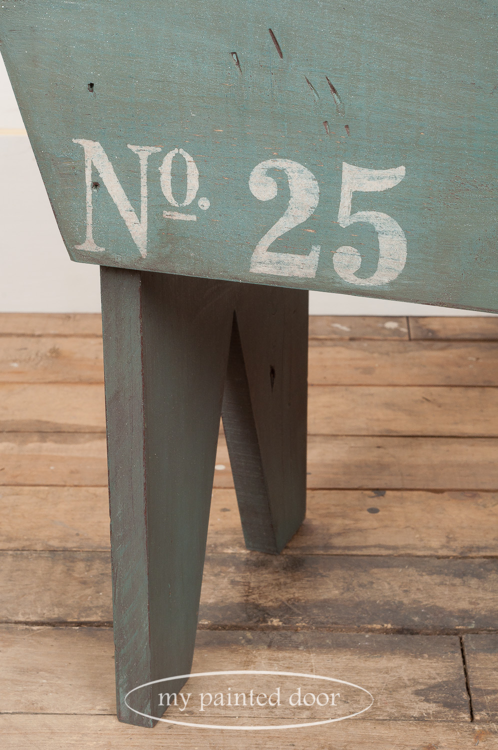 Learn how to paint furniture - Farmhouse style bench painted with Homestead House Milk Paint in the colour Quaker Blue and top coated with Fusion Mineral Paint Espresso Furniture Wax.