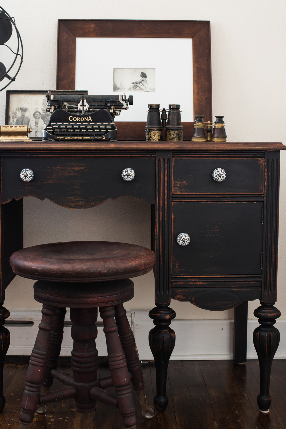 Desk Painted in Miss Mustard Seed's Milk Paint in the Colour Typewriter
