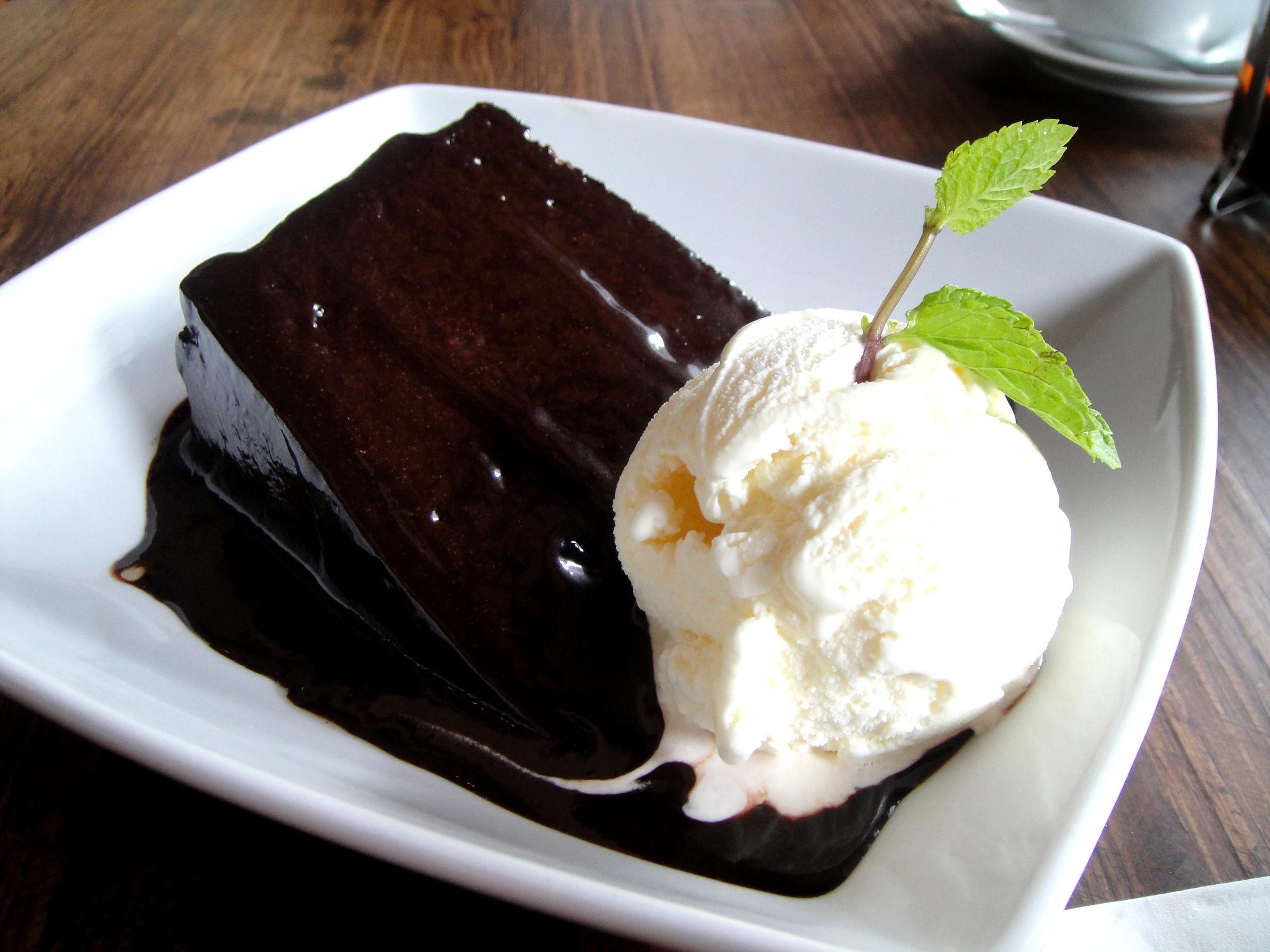 cake and coffe yhok 2.jpg
