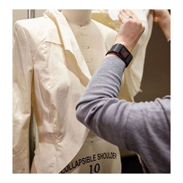 We get all excited seeing beautifully designed garments come to life. Local production offers Australian brands the ability to react to market trends much quicker than offshore production.  @ethicalclothingaustralia offer an incredible opportunity for brands to ensure traceability and strong ethical industry standards for their onshore production. Image from @sampleroom