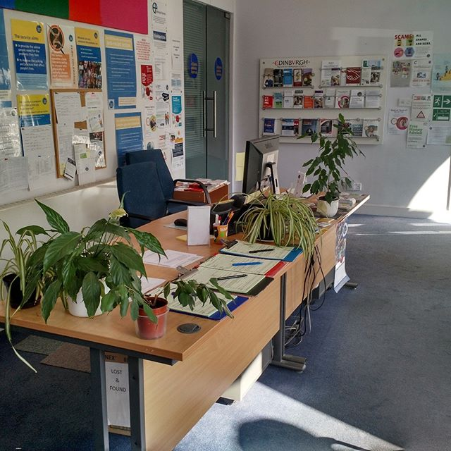 VOLUNTEER RECEPTIONIST REQUIRED for our #Leith bureau.  Apply online: https://www.citizensadviceedinburgh.org.uk/blog/2018/8/8/volunteer-receptionist-required-leith-bureau  #receptionist