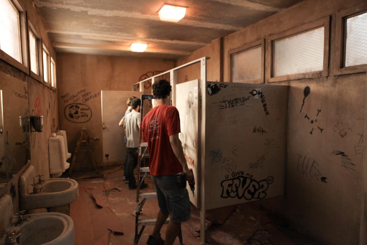 men's_room_5d-0898.jpg