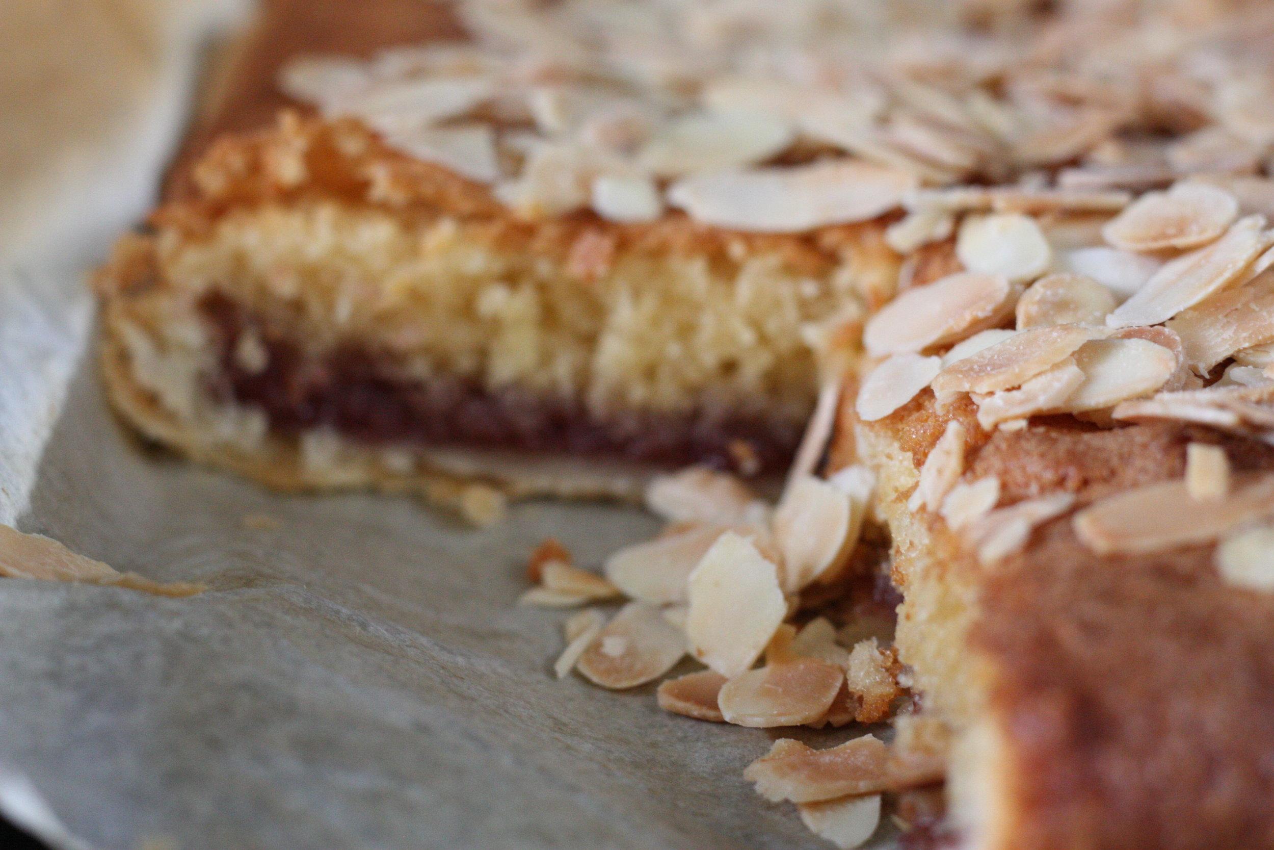 bakewell-slice