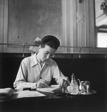 Simone de Beauvoir ( source )