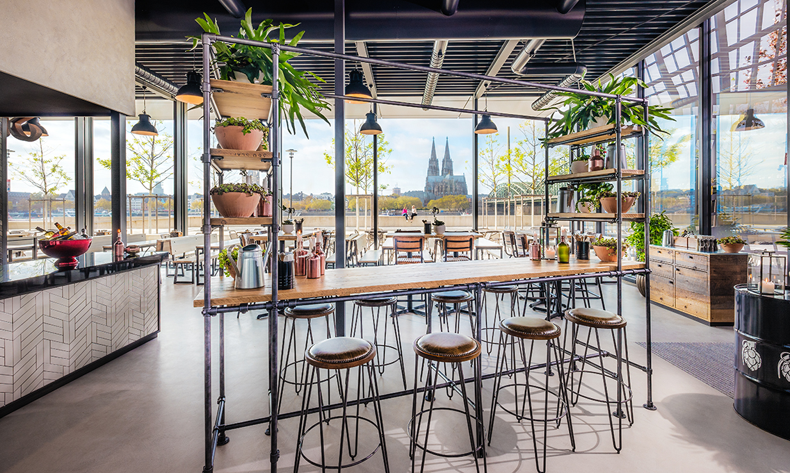 Hyatt-Regency-Cologne-StickyFingers-Interior-Terrace small.jpg