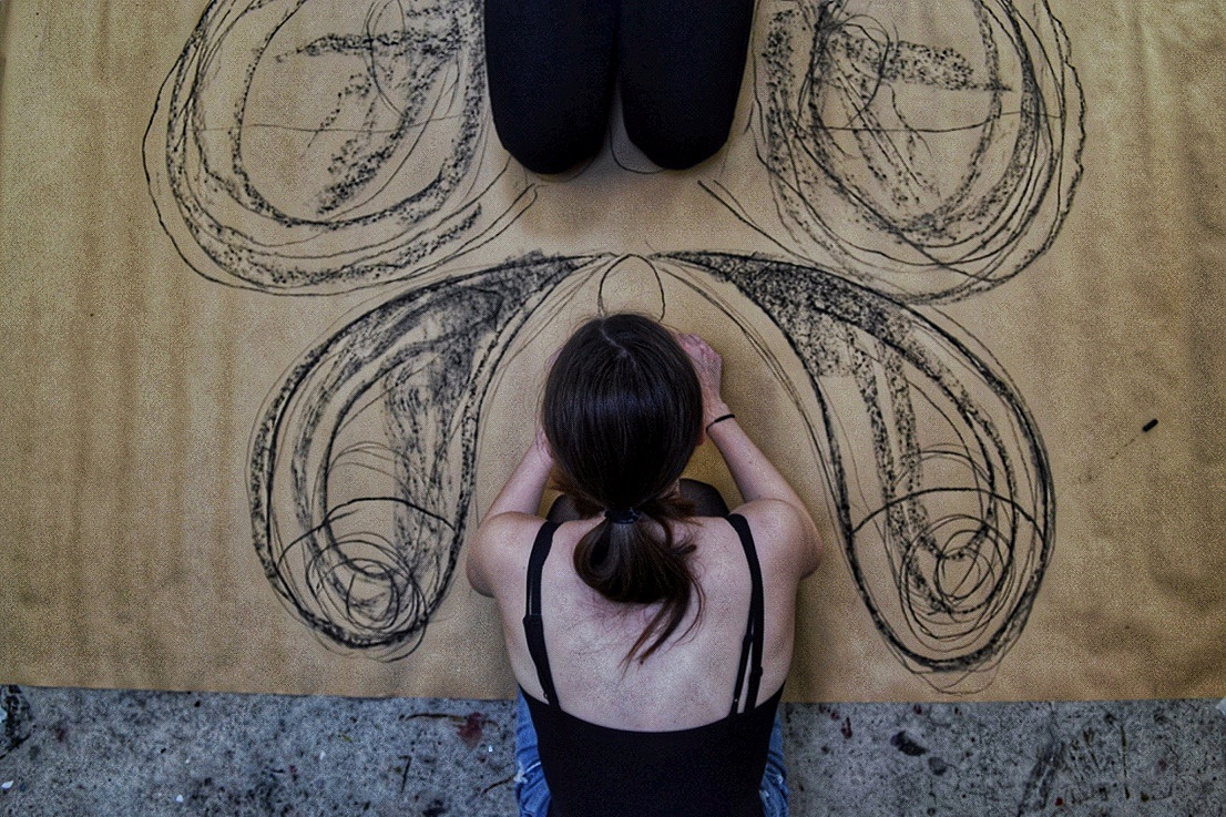 KUNST - Kreativ Højskole - Et ophold fyldt med kreativitet for 16-19 årigeFordyb dig i Tegning, Foto, Akrylmaling, Collage og udfold dit kreative talent. I faget kunst er der plads til eksperimenter og fordybelse. Læs mere her
