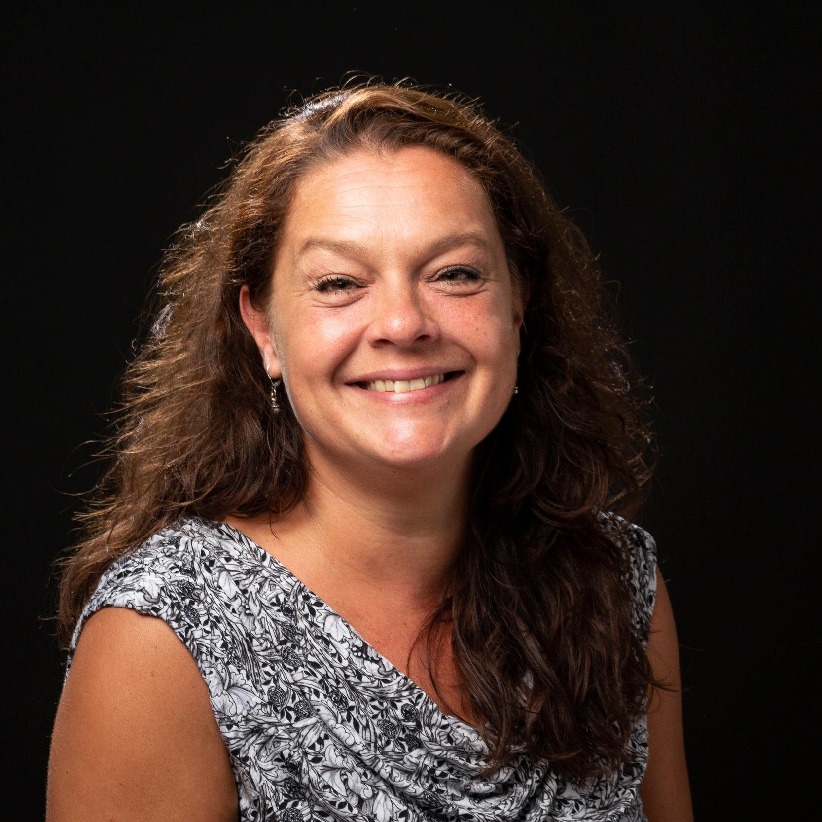 SUSSE HOUTVED   Dramalærer