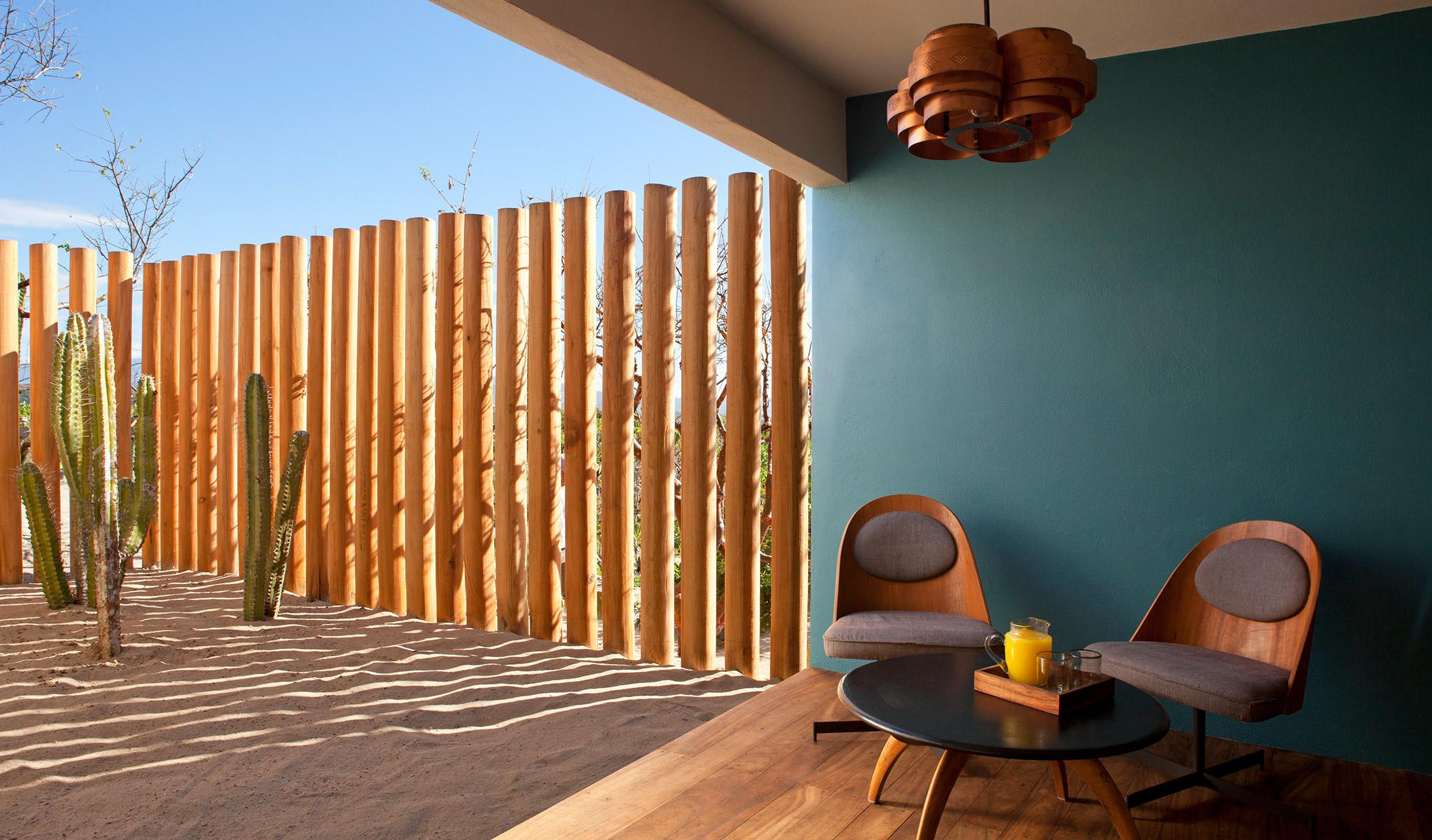 hotel-escondido-terrace-lounge-M-01-r.jpg