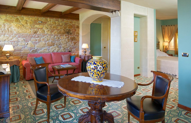 taormina-hotel-suite1.jpg