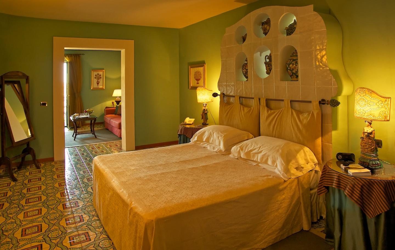 taormina-hotel-junior-suite.jpg