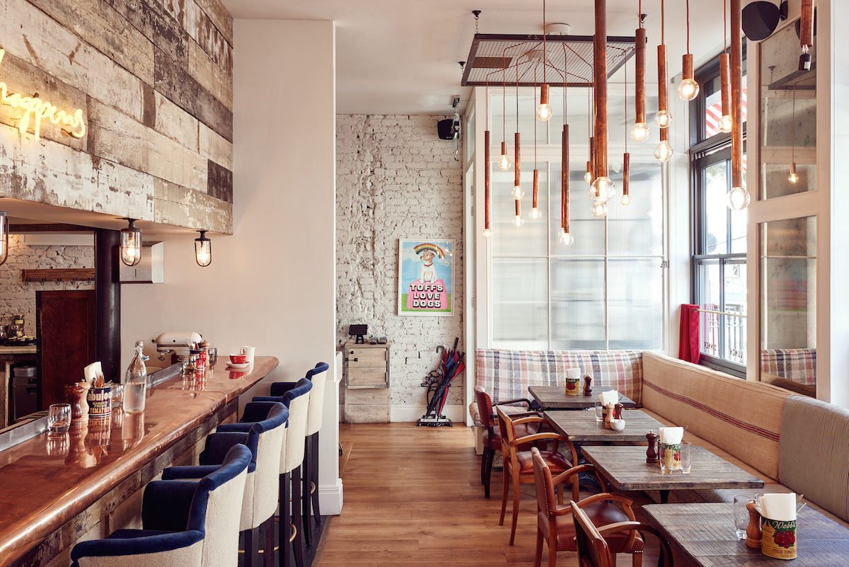 Breakfast at Cambridge Kitchen downstairs is a great way to start the day. Not only can you get a hearty breakfast but you also get top service and a pretty flat white.