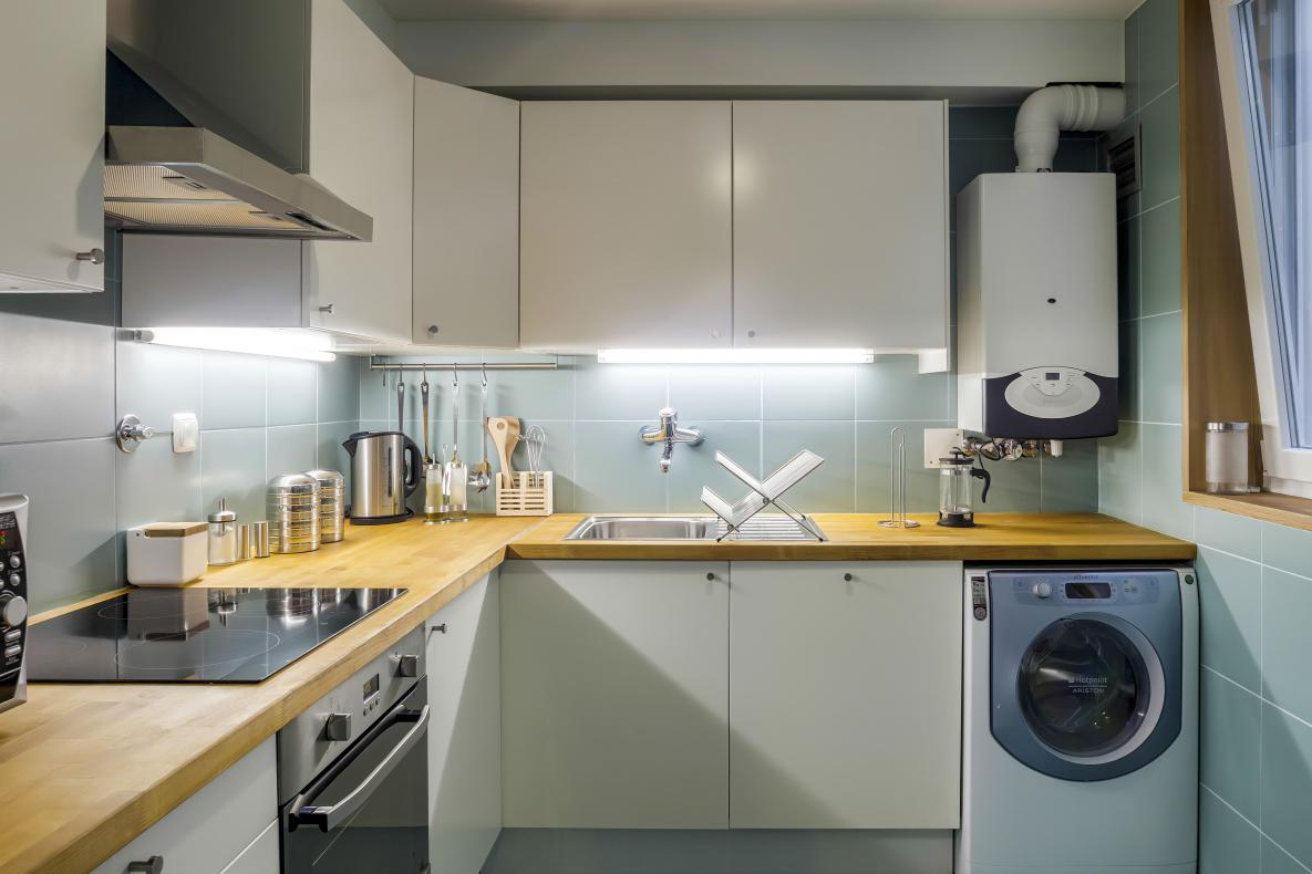 Don't go without in this fully equipped kitchen with oven, dishwasher, washer coffee machine and more additions.
