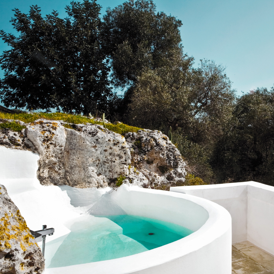 If you like an outdoor bath, ask to book a studio with this bath.