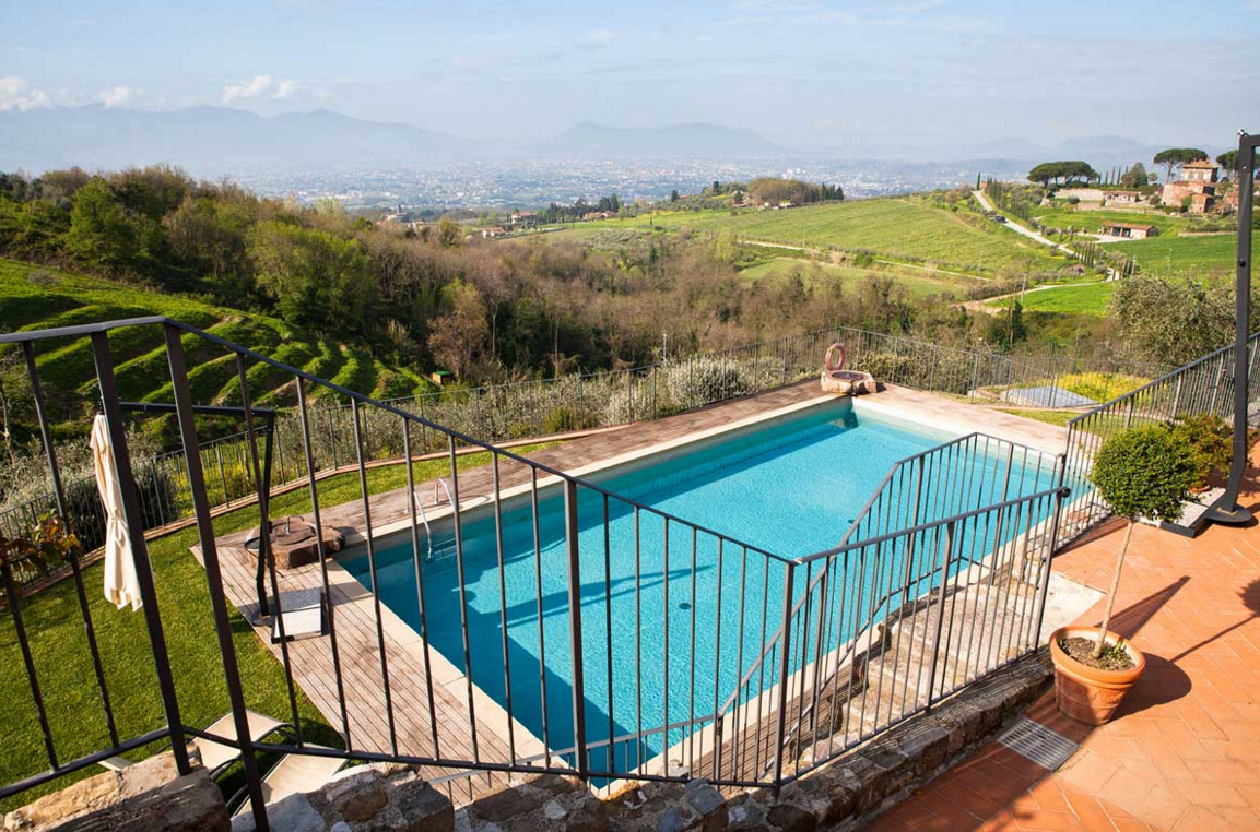 Standing in the small village of San Pietro a Marcigliano, this luxury hotel is also a perfect wedding location. Eight bedrooms and two suites, all comforts, attractive design, an exclusive attention to details, cooking courses and fine dining. The outdoor swimming pool is the icing on the cake!