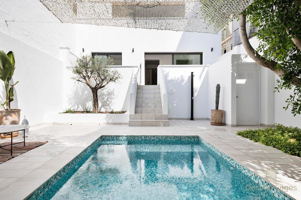 Poolside dreaming at Casa Esmeralda.