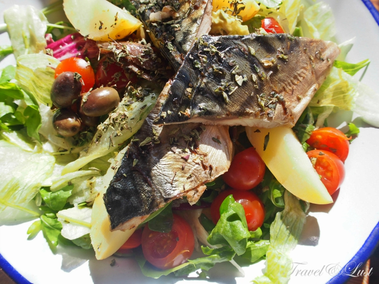 Crunchy salad with olives, boiled potato,ripe tomatoes, lettuce and topping of smoked mackerel for starters. The whole plate is seasoned with fragrant herbs and lashings of olive oil. We had a crisp dry white wine as an excellent accompaniment.