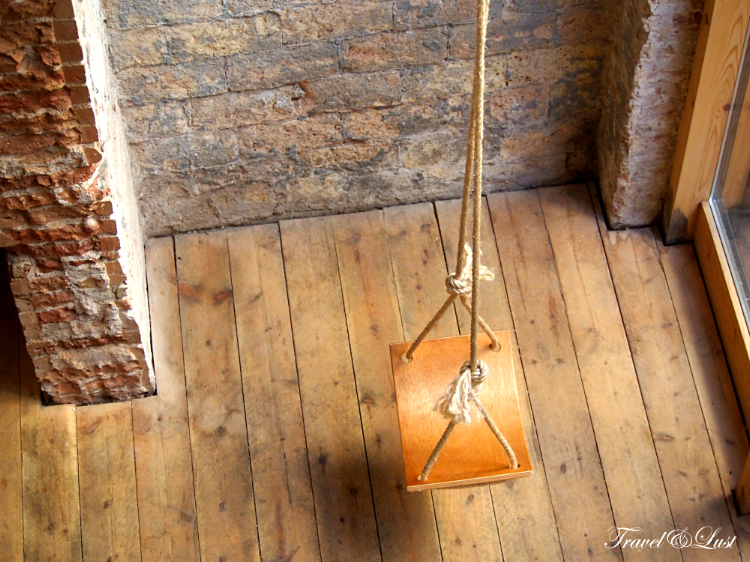 Complimentary swing for everyone to use!