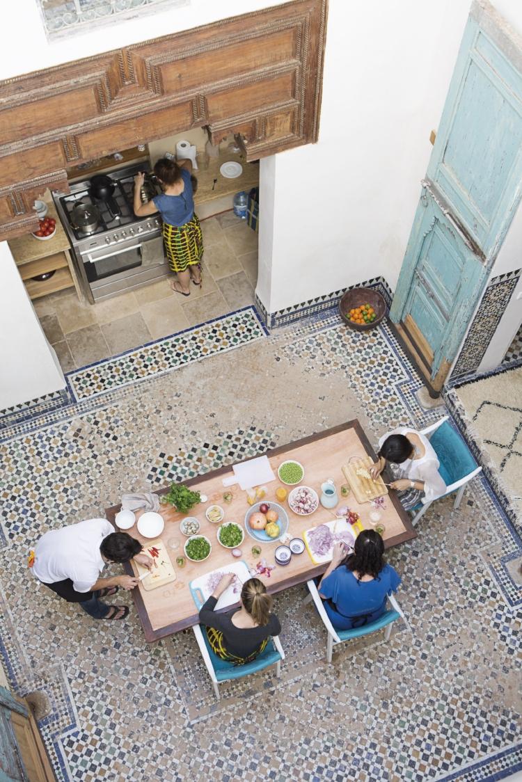 Cooking school in progress. Photo© Mariluz Vidal