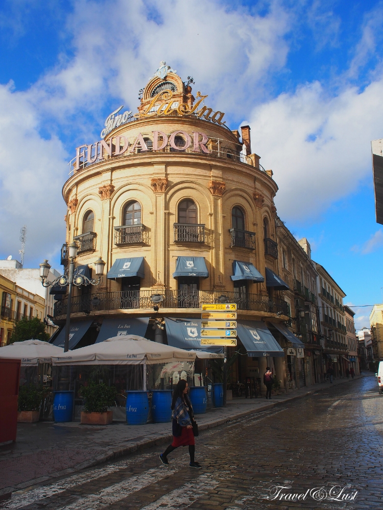 The building representing the Fino La Ina, considered by experts as the finest of the fine. It is raised following the traditional system of Solera and Criaderas in Jerez de la Frontera.
